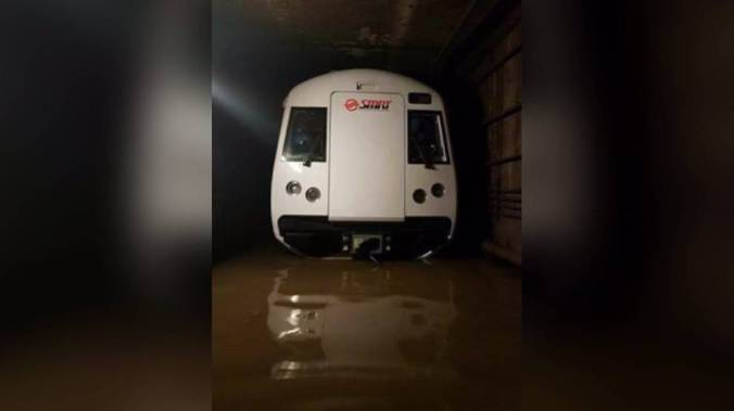 smrt-train-in-flooded-tunnel